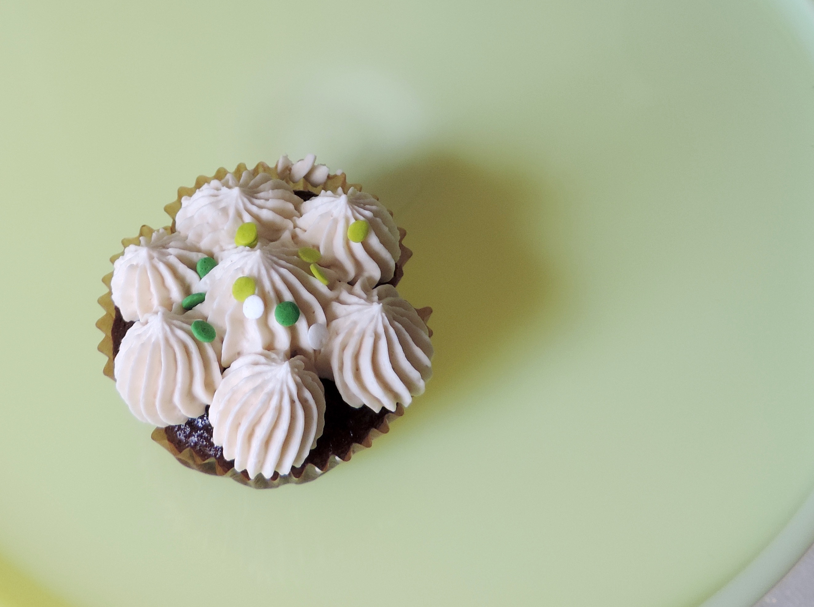 Irish Car Bomb Cupcakes {Tea & Top Knot}